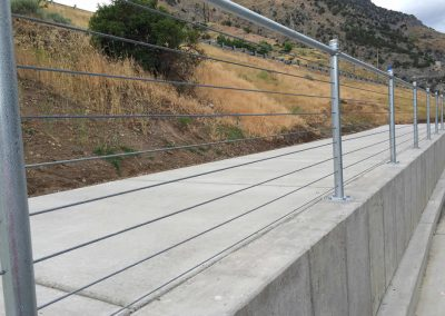 Hand-Railing-by-Custom-Fence-4