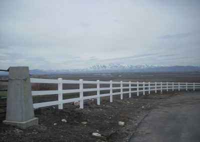vinyl-fence-by-custom-fence-co-3