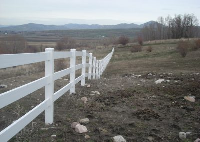 vinyl-fence-by-custom-fence-co-4