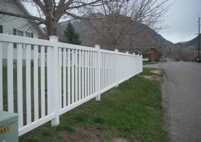 vinyl-fence-by-custom-fence-co-5