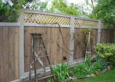 wood-fence-by-custom-fence-co-2
